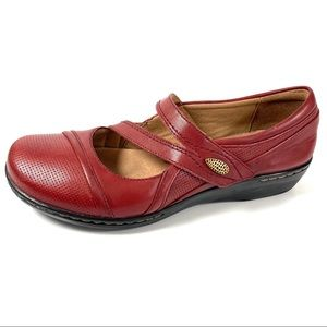 Clarks Mary Jane Shoes Red Leather Size 7.5 M